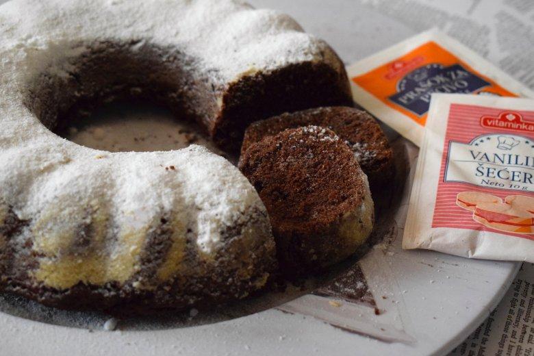 Чоколаден посен куглоф со мармалад 3
