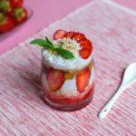 Чиа пудинг со јагоди во чаша 1