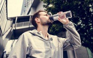 знаци преку кои телото ви укажува на недостаток на вода 1