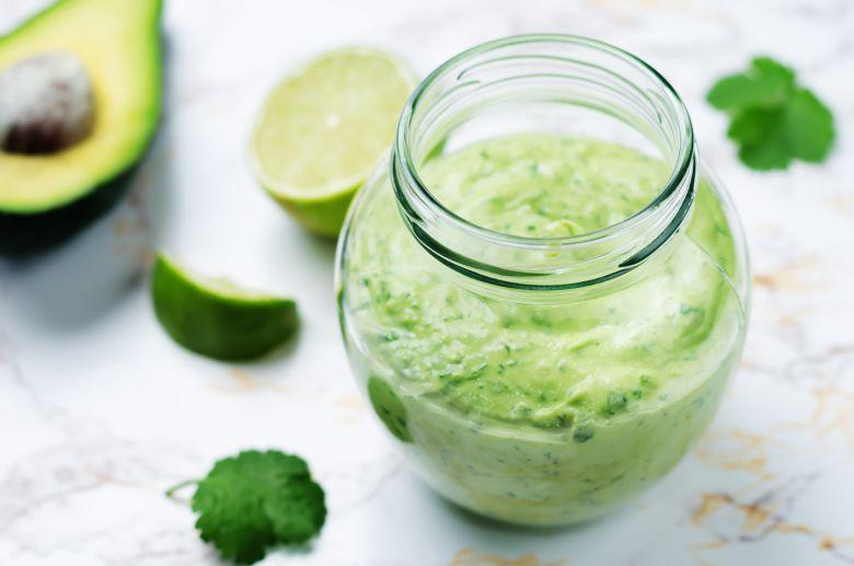 прелив за салати со јогурт