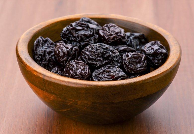 Сувите сливи се важна храна за здрави коски 2