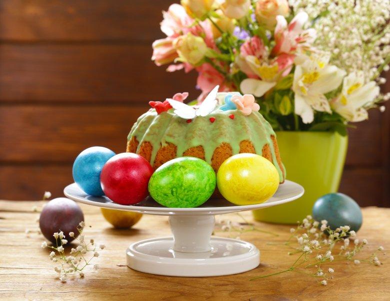Велигденски куглоф со мармалад и суво овошје