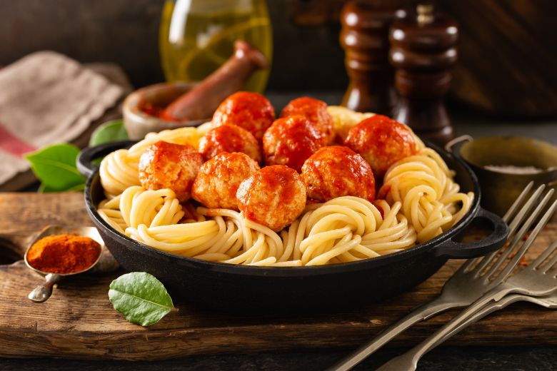 шпагети со ќофтиња
