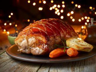 печено месо со лук и рузмарин